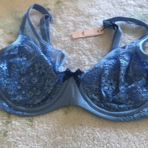 Victoria's Secret Other - NWT 36DD BODY BY VICTORIA UNLINED PLUNGE BRA